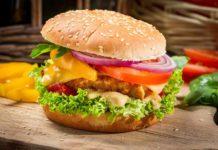 Бургер с куриной котлетой