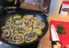 Мясные розочки - штрули в бульоне с овощами
