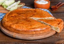 Пирог из рассыпчатого теста с капустой