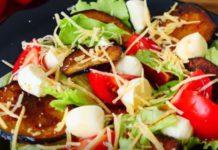 Итальянский салат с жареными баклажанами