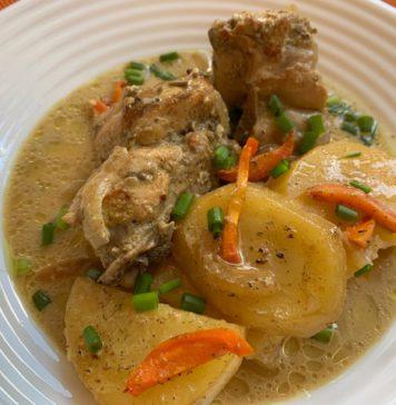 Кролик с картофелем, запечённый в кефирно-горчично-сметанном соусе.