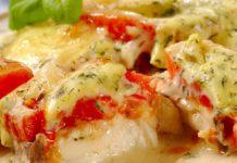 Треска, запечённая с помидорами и сыром