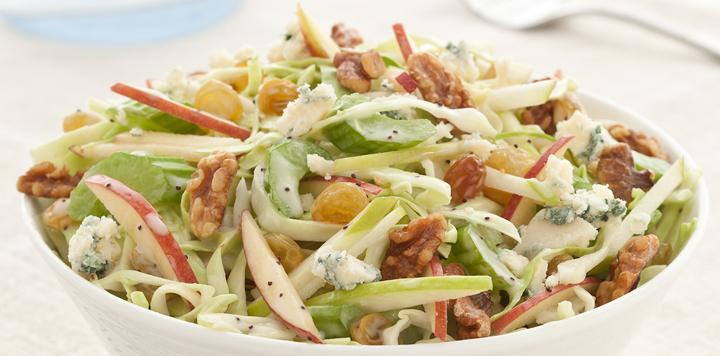 Салат с сочетанием сельдерея, капусты и яблок