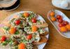 Чесночные бутерброды с печенью трески и сыром