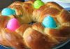 Пасхальная плетенка с яйцами