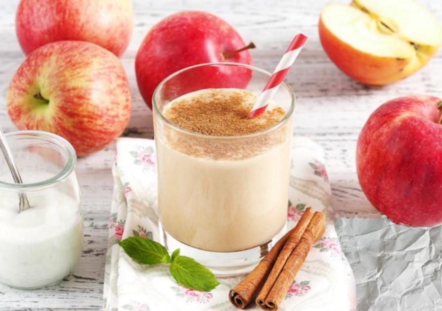 Яблочный коктейль с кефиром